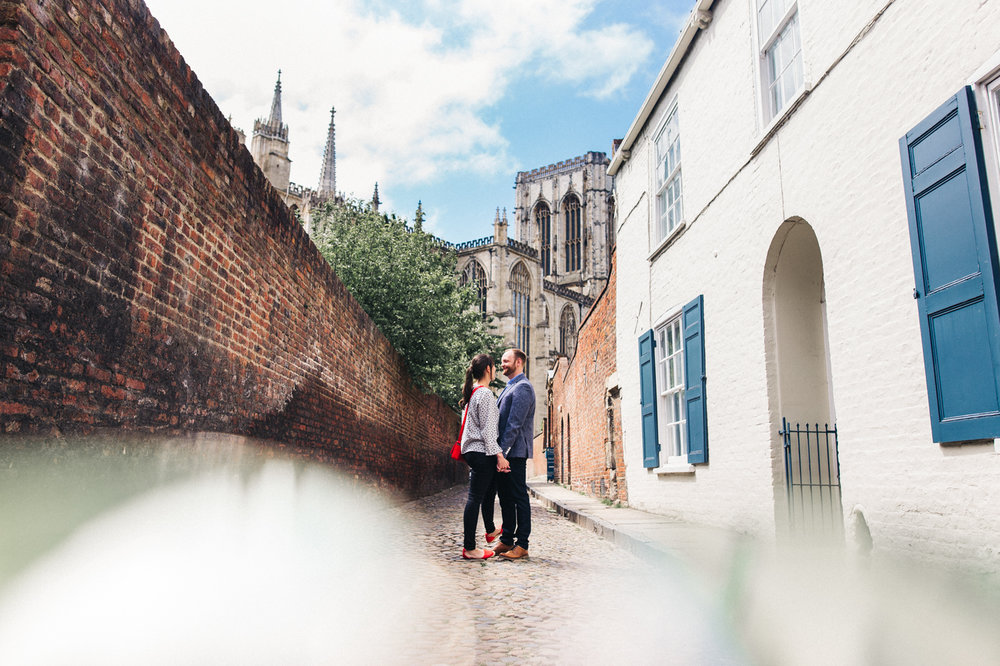york-city-centre-engagement-shoot-wedding-photographer-north-yorkshire-0013.jpg