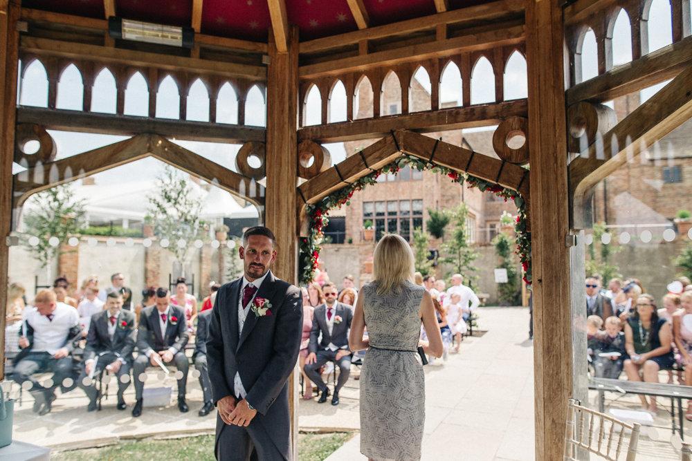 OLD-HALL-ELY-WEDDING-CAMBRIDGE-PHOTOGRAPHER-CAMBRIDGESHIRE-0013.jpg