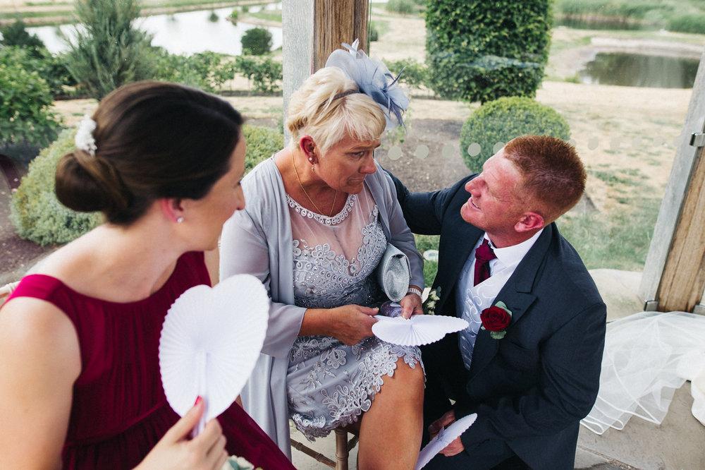 OLD-HALL-ELY-WEDDING-CAMBRIDGE-PHOTOGRAPHER-CAMBRIDGESHIRE-0018.jpg