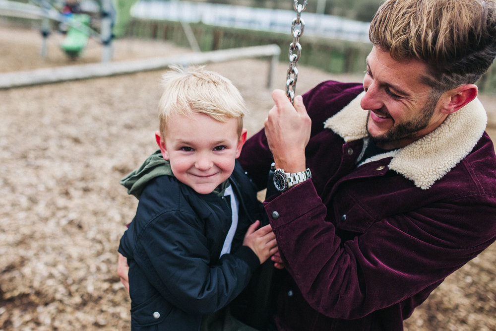 creative-family-photographer-relaxed-teesside-north-east-yorkshire-photography-0011.jpg