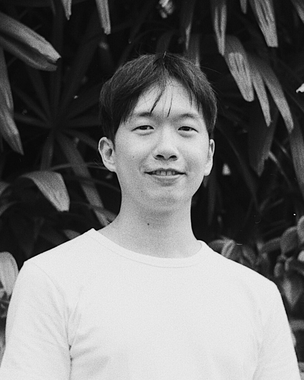 Station Control / Daryl Qilin Yam  is a writer of prose and poetry. He runs and manages Sing Lit Station's programmes, online presence and financial accounts on a full-time basis.