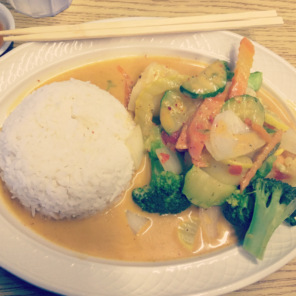royal-thai-lunch-special-curry.png