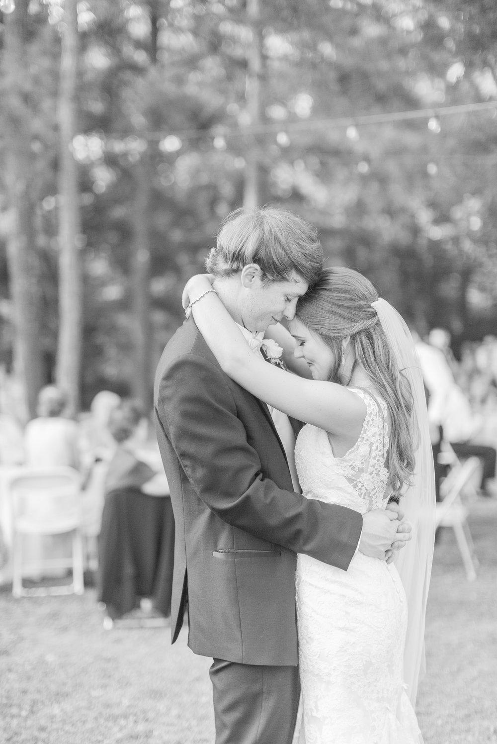 mississippi-wedding-at-the-cedars 67.jpg