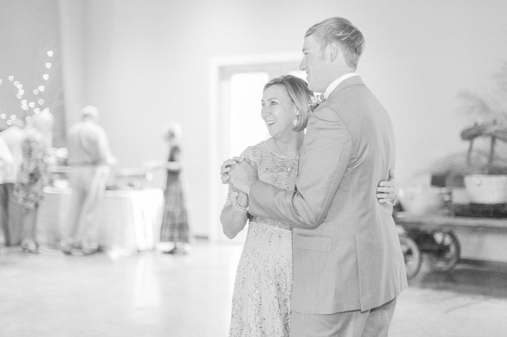 brandon-mississippi-fall-wedding 51.jpg