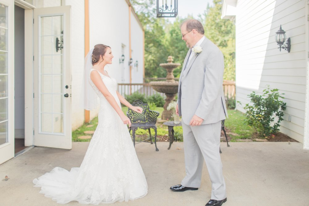 mississippi-fall-wedding-at-the-ivy 15.jpg