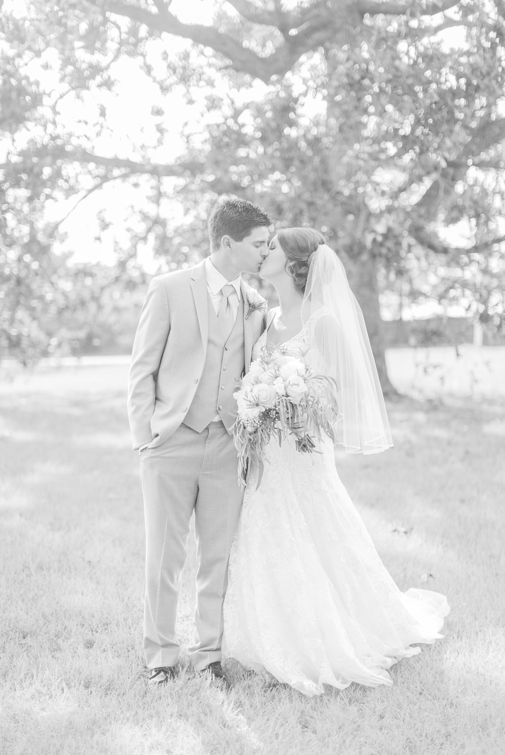 mississippi-fall-wedding-at-the-ivy 30.jpg