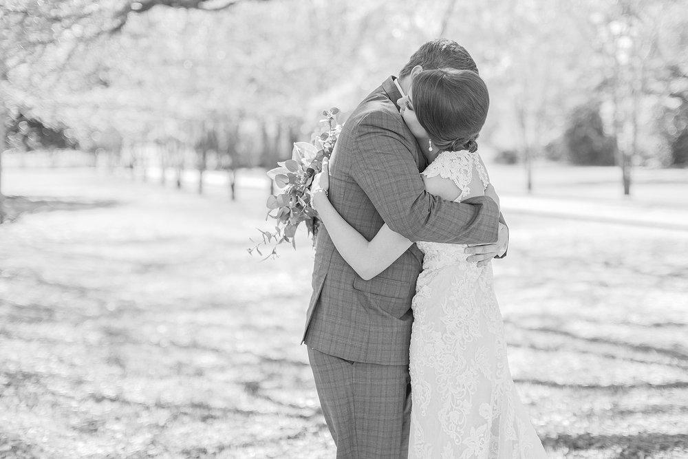 natchez-mississippi-outdoor-spring-wedding_0015.jpg