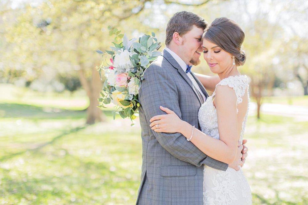 natchez-mississippi-outdoor-spring-wedding_0032.jpg