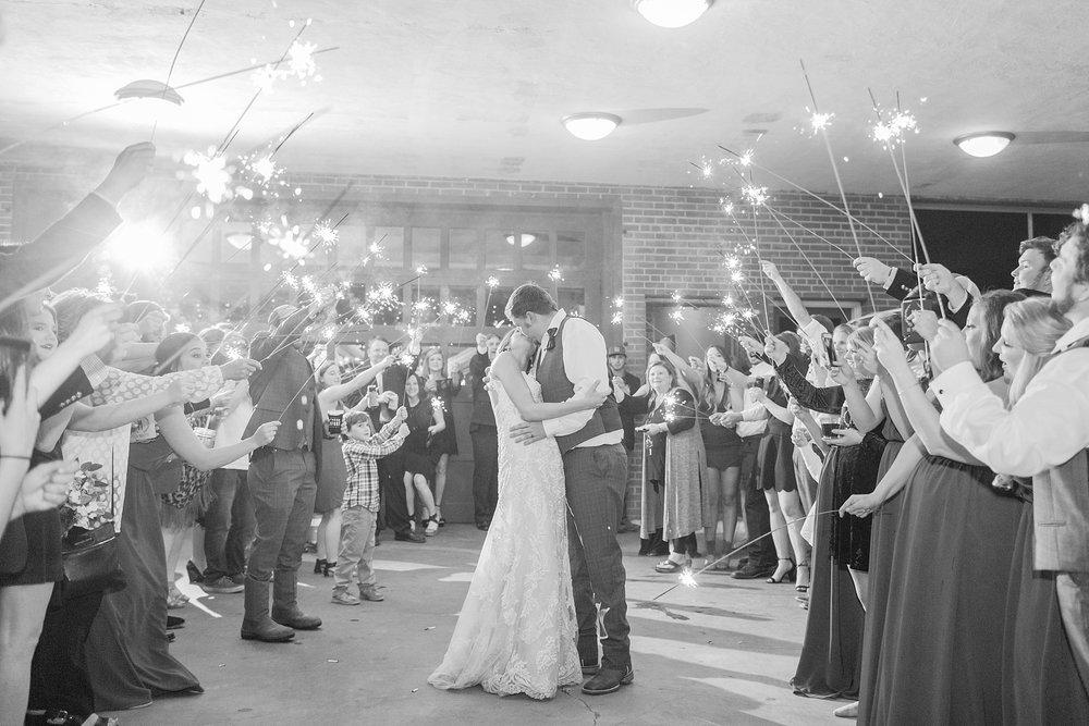 natchez-mississippi-outdoor-spring-wedding_0084.jpg