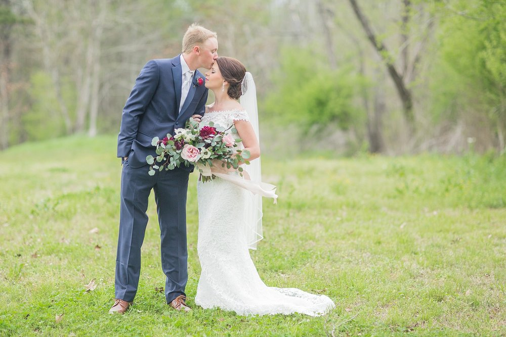 outdoor-mississippi-spring-wedding_0028.jpg