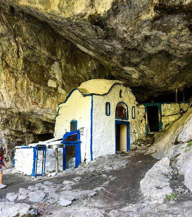 Holy cave of St. Dionysios in mount Olympus. Nothing can describe the feeling of being there, under the rocks. #olympus#exploring#summer##holycave#greekchurch#cave##mountolympus#bloominlondon#bloominlondongoestoolympus#holidays#summeringreece#visitgreece#blog#blogger#traveler#