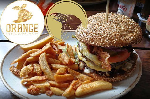 Burgers for valentine! Ab sofort gibt es RavenKraft Bierspezialitäten im Orange, die Burgermanufaktur in Fulda. Wanderer Black IPA frisch gezapft im Wechsel mit Zauberin Red Ale, dazu Draufgängerin in der 0,33l Flasche.  https://orange-burgermanufaktur.de/ . . . . . . #Burgersandbeers #beer #bier #burgers #germany #fulda #cerveza