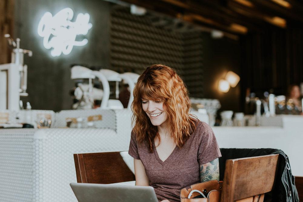 COURS DU SOIR - Nos modules de formation s'effectuent en ligne ou en cours du soir au rythme de 1 cours du soir / semaine.Un travail personnel sur notre plateforme en ligne est requis entre chaque cours.