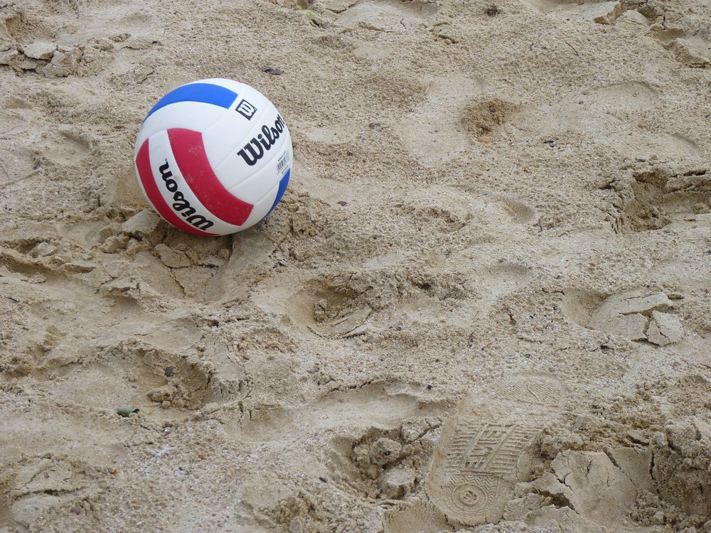 Get ready for sand volleyball! (Pixabay.com)