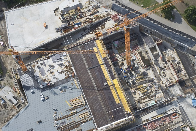 Nichiha_-_Drones_used_in_construction_1.jpg