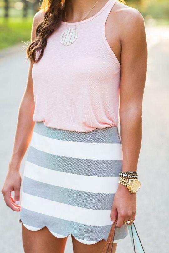 http://www.asoutherndrawl.com/2015/07/scallop-skirt.html