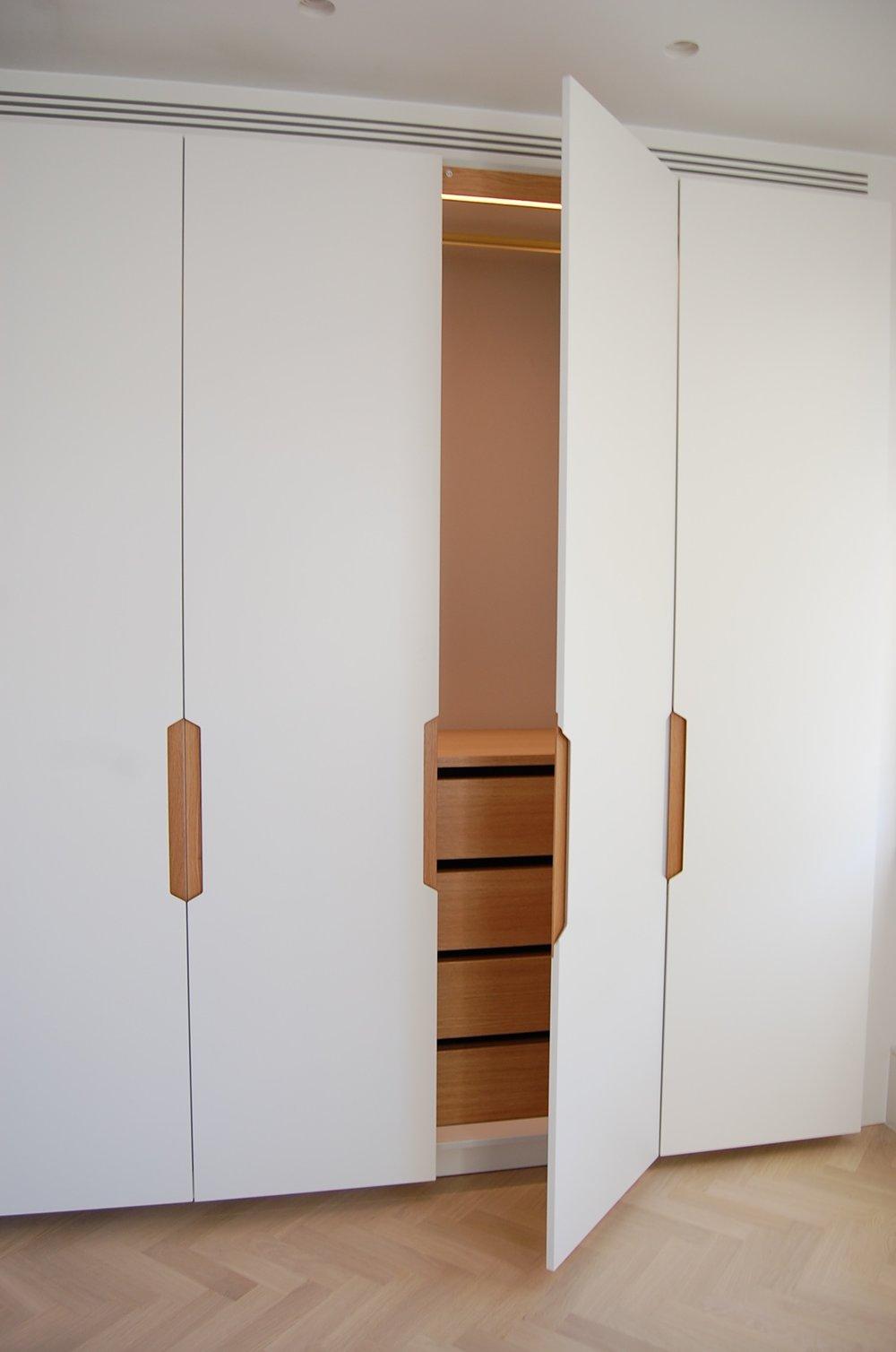 Grain_Bespoke_Furniture_Chelsea_Wardrobe_4.jpg