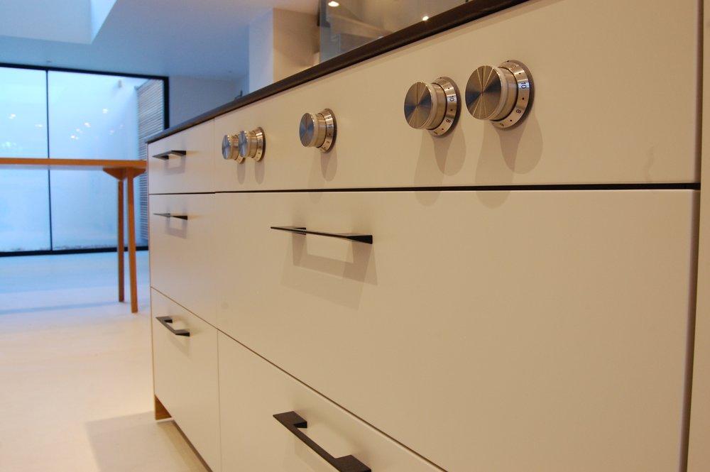 Grain_Bespoke_Furniture_Chelsea_Kitchen_3.jpg