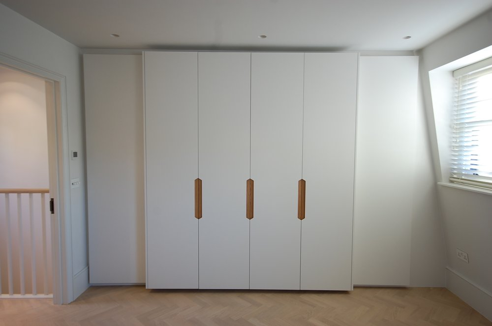 Grain_Bespoke_Furniture_Chelsea_Wardrobe_1.jpg