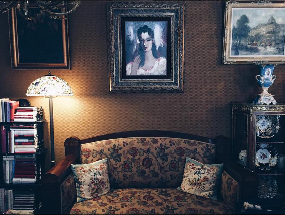 wanderfeeds instagram sienna art cafe riga interior blog.png