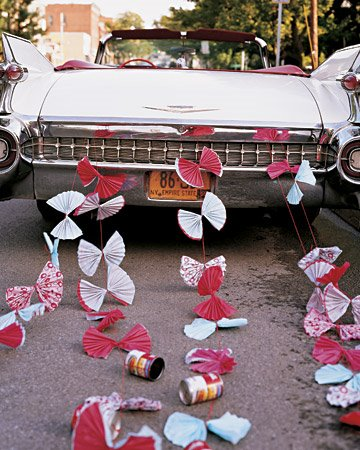 car decorated marriage