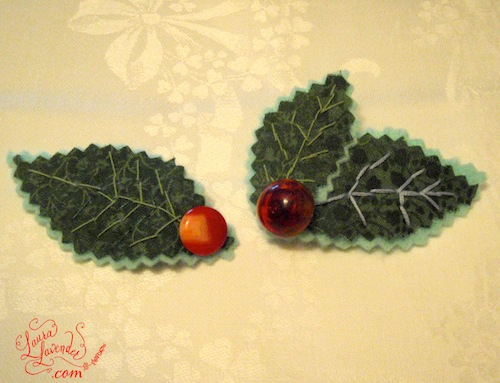 CHRISTMAS HOLLY CORSAGE PIN BROOCH BUTTONS