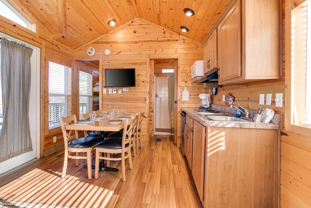 Cottage 10-005.jpg