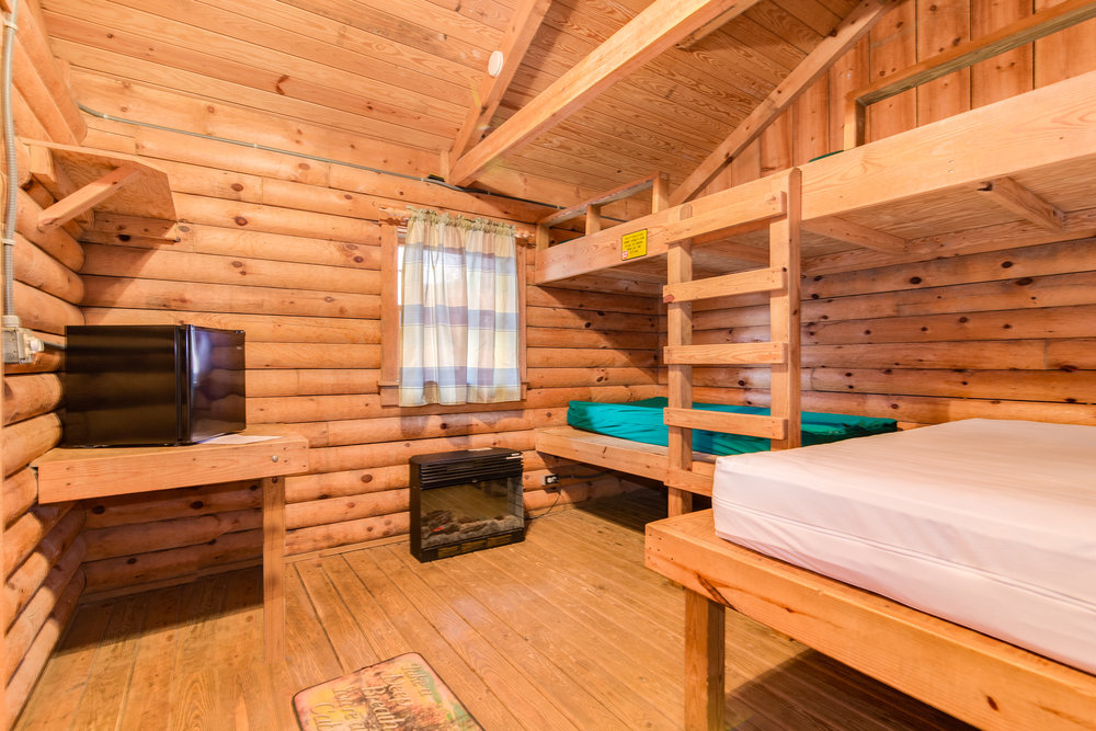 Queen size bed and three twin beds in K4