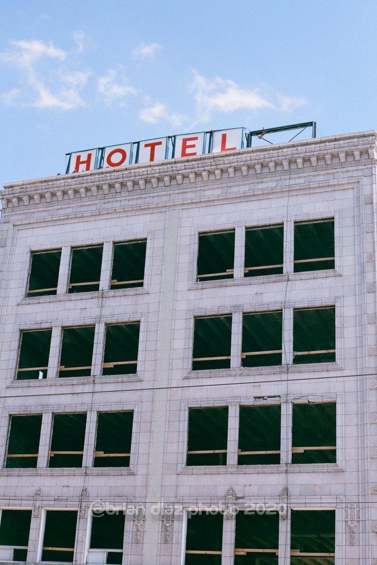 Hotel (Agfa Vista 100)