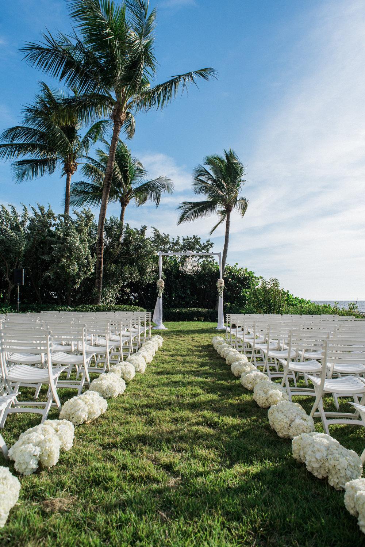 Wedding at La Playa. Photo by Gabriel Rosario