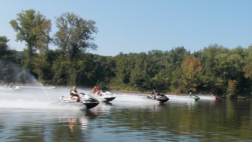 (photo courtesy of MTPWC - Middle Tennessee Personal Watercraft Club)