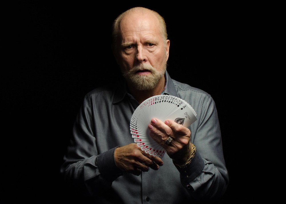 "(Caption: Richard Turner is one of the world's greatest card magicians, yet he is completely blind. His amazing and inspiring story is the subject of the documentary feature ""Dealt"". 
