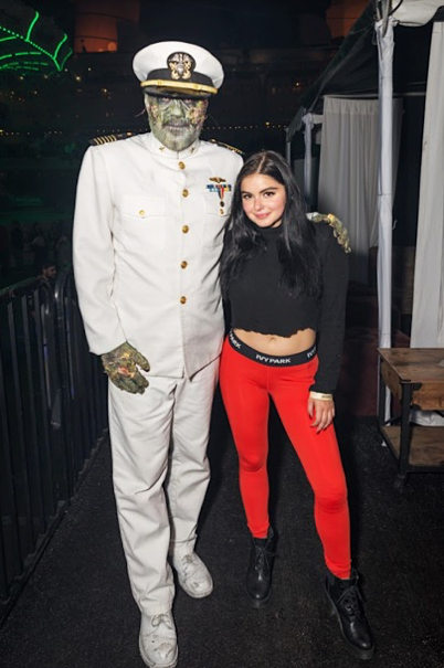 Ariel Winter, ABC's Modern Family star, poses with Dark Harbor's infamous Captain on October 14, 2017 (Photo Credit: Michael Wada)