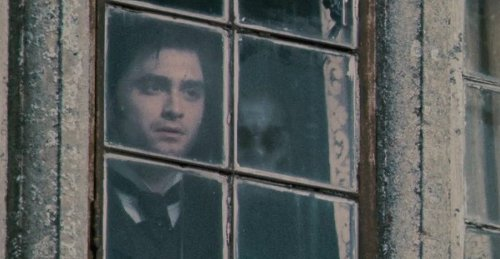 111 window Daniel-Radcliffe-The-Woman-in-Black.jpg