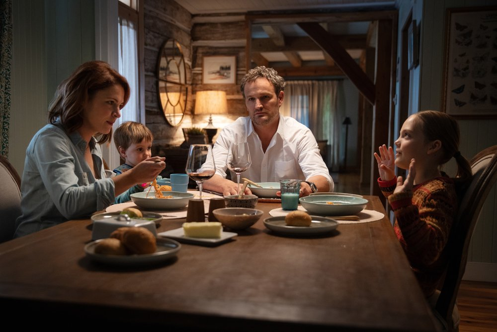 Amy Seimetz as Rachel, Hugo Lavoie as Gage, Jason Clarke as Louis and Jeté Laurence as Ellie in PET SEMATARY | Photo Credit: Kerry Hayes