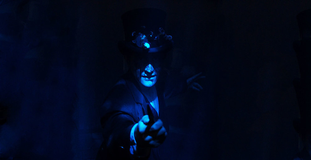 Worlds of Fun Halloween Haunt - Ripper Alley