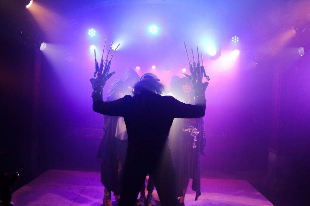 Scissorhands - Hands Up!