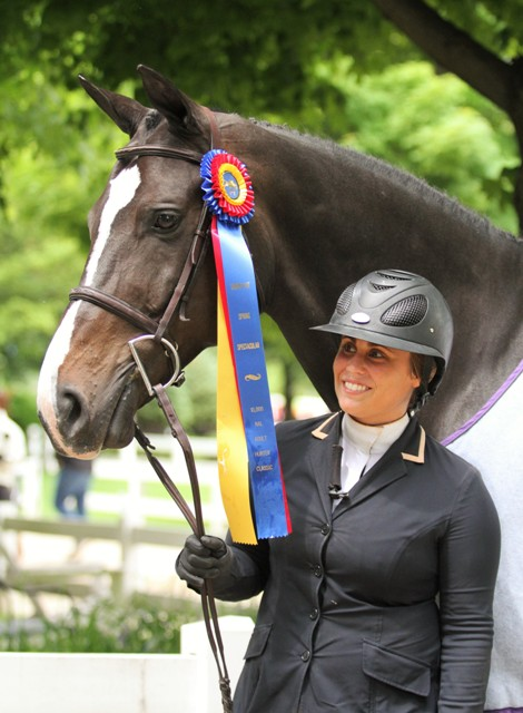 $1000 NAL Adult Hunter Classic    Talan owned and ridden by Meg Gehron