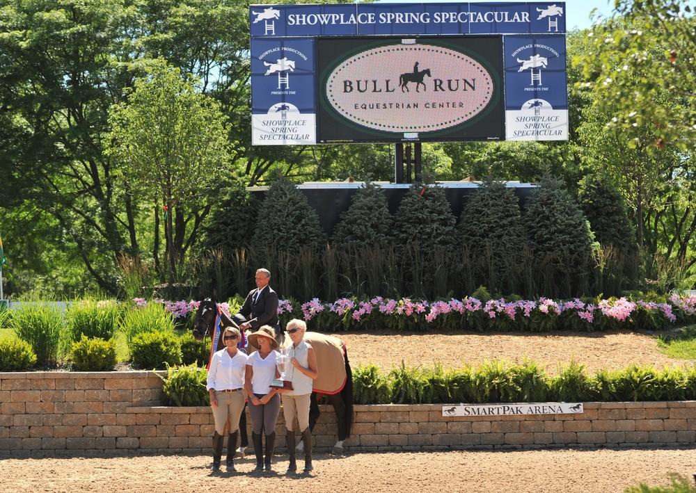Tony Font and Copa Cabana 23- Photo by Andrew Ryback Photography $25,000 USHJA International Hunter Derby Winner Sponsored by Bull Run Equestrian Center