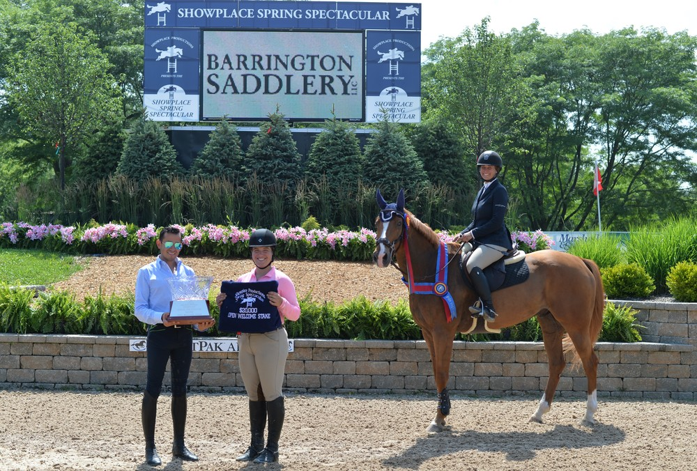 Lisa Goldman and Morocco accept their award from Barrington Saddlery Photo by Andrew Ryback Photography