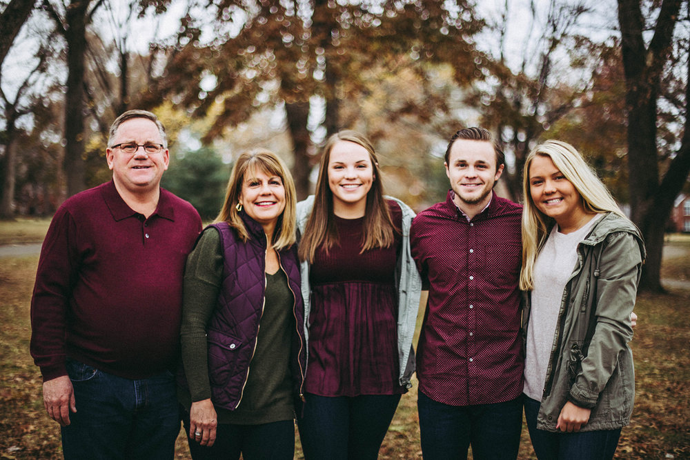 Family photo session in the fall at Donner Park in Columbus, Indiana