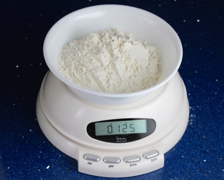 125 grams of normal household white powder of some kind. Street value 80$/8ball