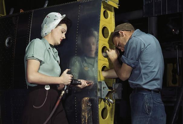 Factorworkers.png