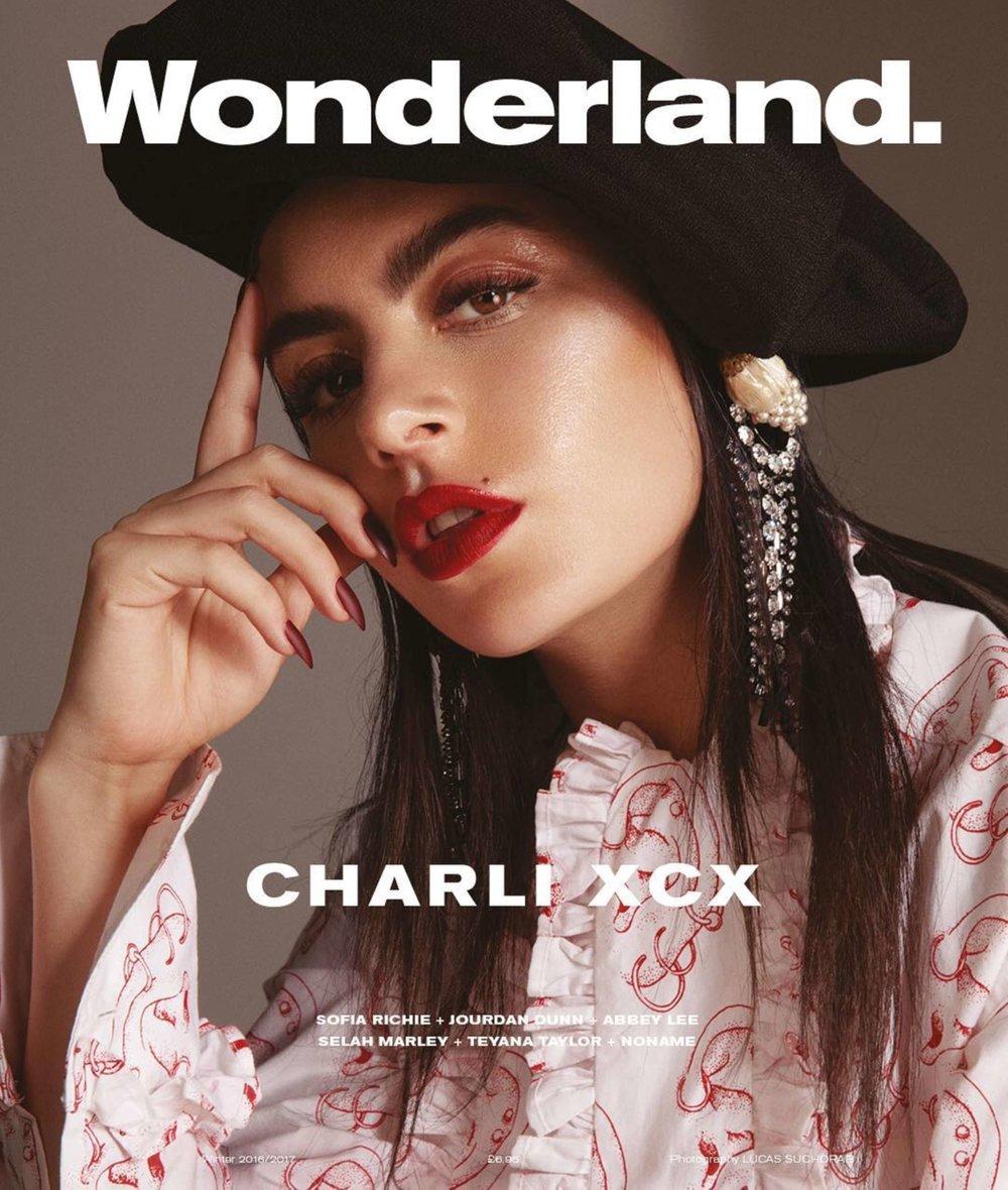 Wonderland - Winter Issue 2016