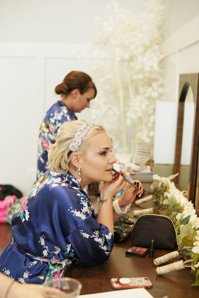 bride_putting_on_lipstick-683x1024.jpg