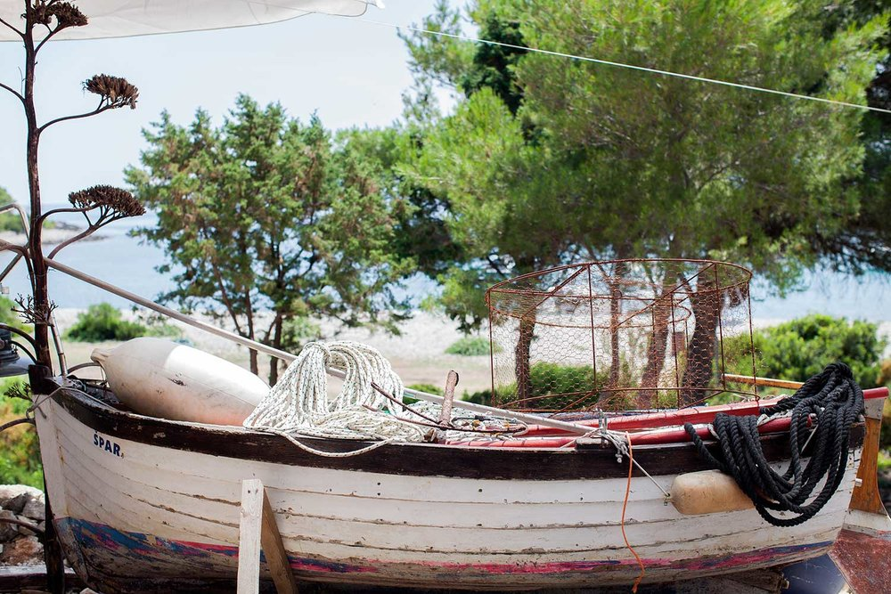 croatia_restaurant_details_boat.jpg