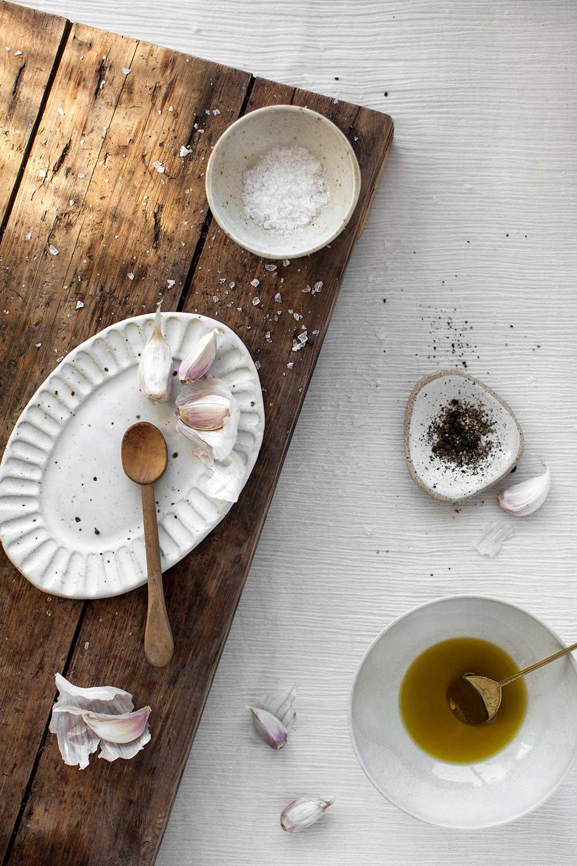 food_photography_garlic_salt_olive_oil.jpg