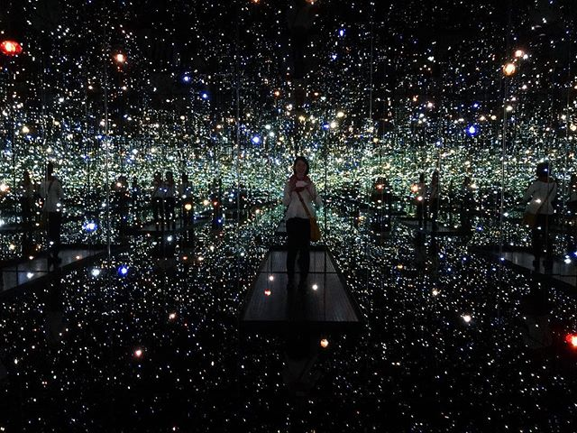 Inside a creative's mind 🌌 . . Waited so long to see one of the infinity mirrored rooms, The Souls of Millions of Light Years Away. Definitely worth the trip. 😭 . . #infinityrooms #yayoikusama #thebroad #losangeles #galaxy #dreamer #nov2018 #design #graphicdesign #graphicdesigner #breathtaking #noregrets #lovedesign #creatives