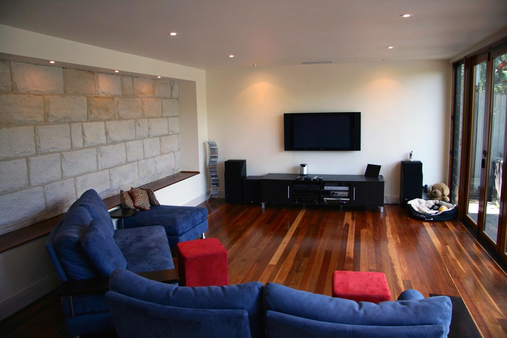 Simmons Livingroom.jpg