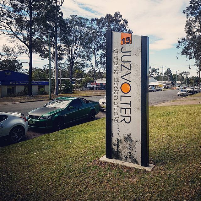 Check out our #plinth #sign 》#barrier104posts supporting a #digitally #printed face applied double-sided onto a #routed #aluminium panel with a fabricated 6mm aluminium #reversecut street number at the top. Phew, that's a mouthful - but it makes for great street presence! #juzvolter #graphicdesign #designer #taree #commercial #portfolio